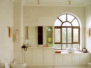 现代法式风格瓷砖图片 米色卫生间瓷砖装修效果图