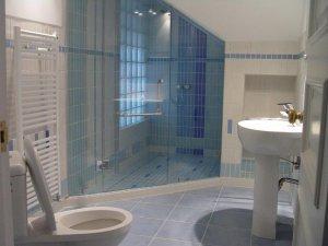 欧式风格陶瓷图片 蓝色浴室瓷砖装修效果图