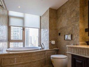 美式风格瓷砖图片 卫生间墙面仿古砖装修效果图