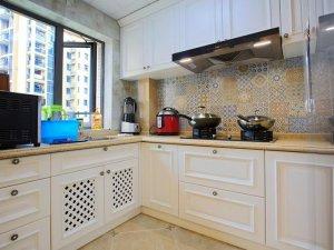 简约美式瓷砖图片 厨房花纹砖装修效果图